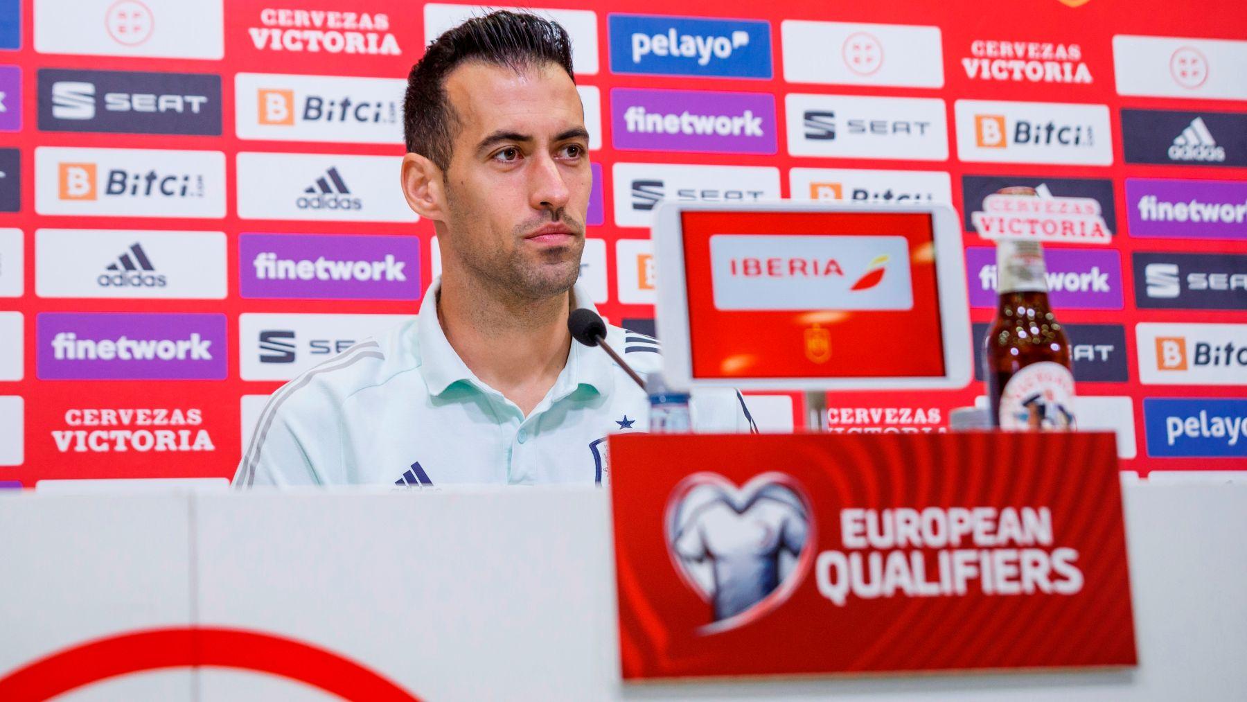 Sergio Busquets, durante una rueda de prensa. (EFE)