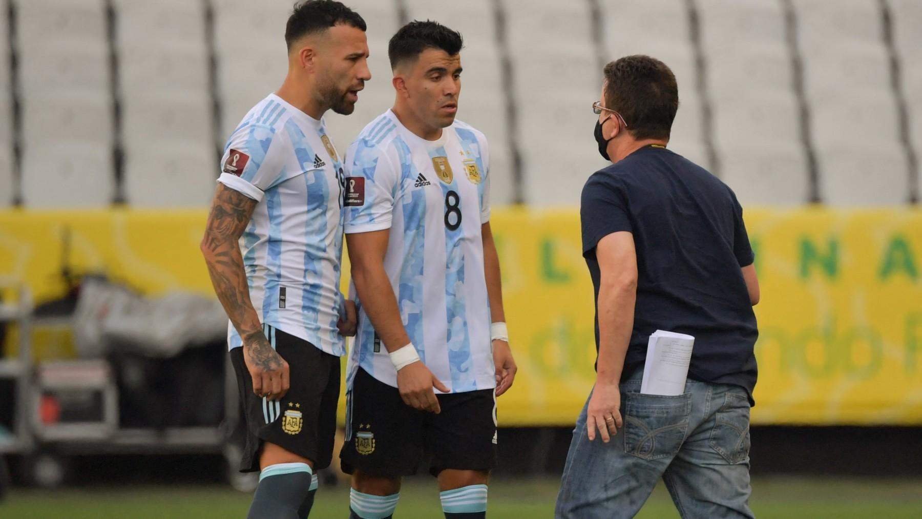 Las autoridades sanitarias brasileñas no permiten jugar a los jugadores argentinos de la Premier. (AFP)
