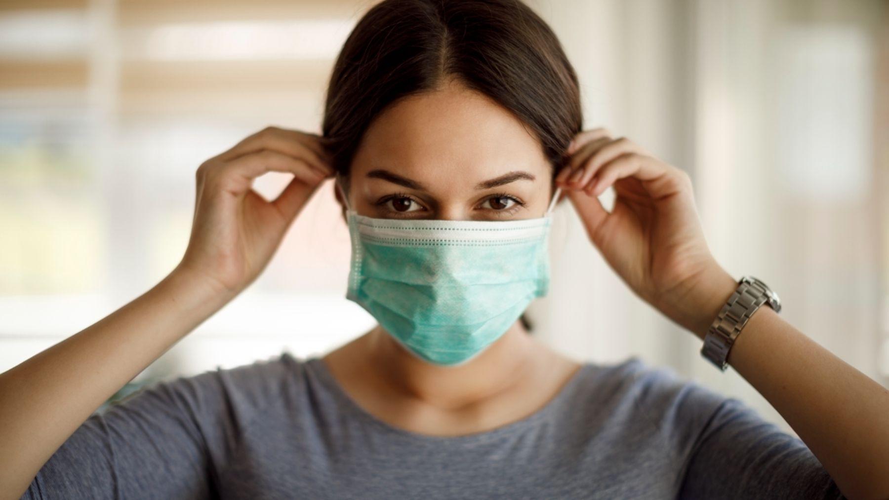 El fin de la pandemia parece estar lejos, pero ¿y el uso de la mascarilla?