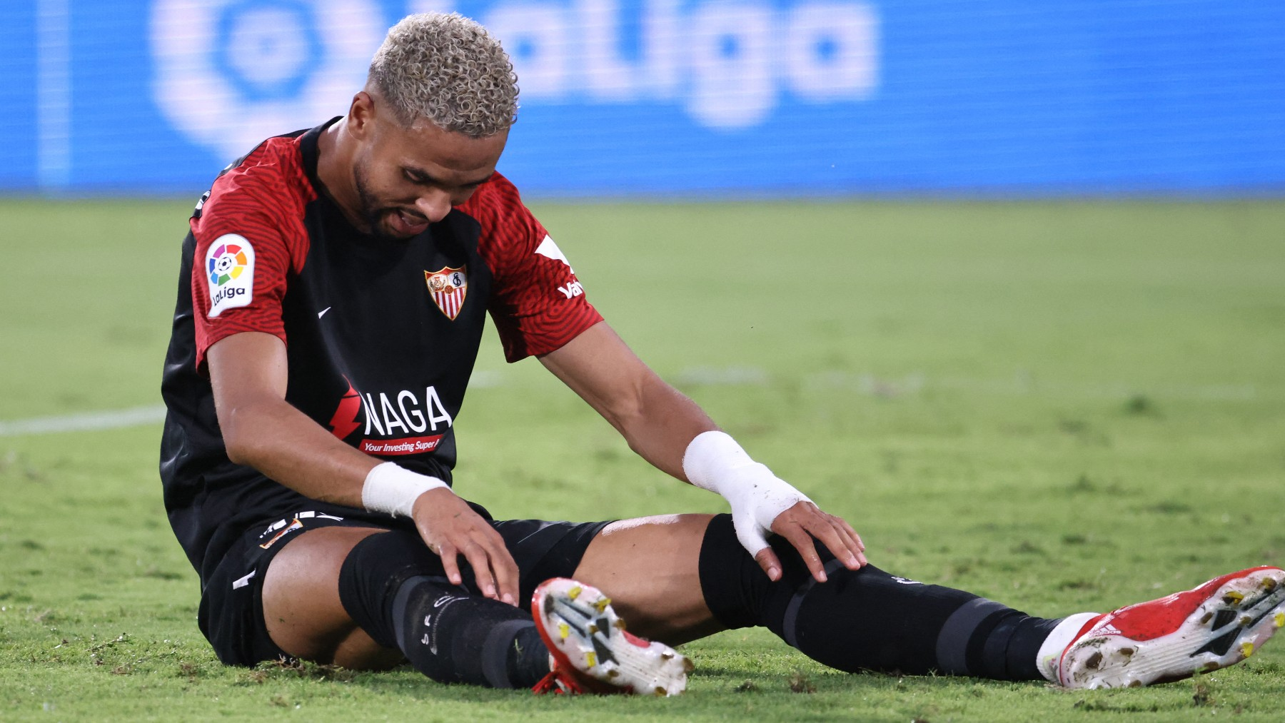 En-Nesyri, durante un partido con el Sevilla. (AFP)