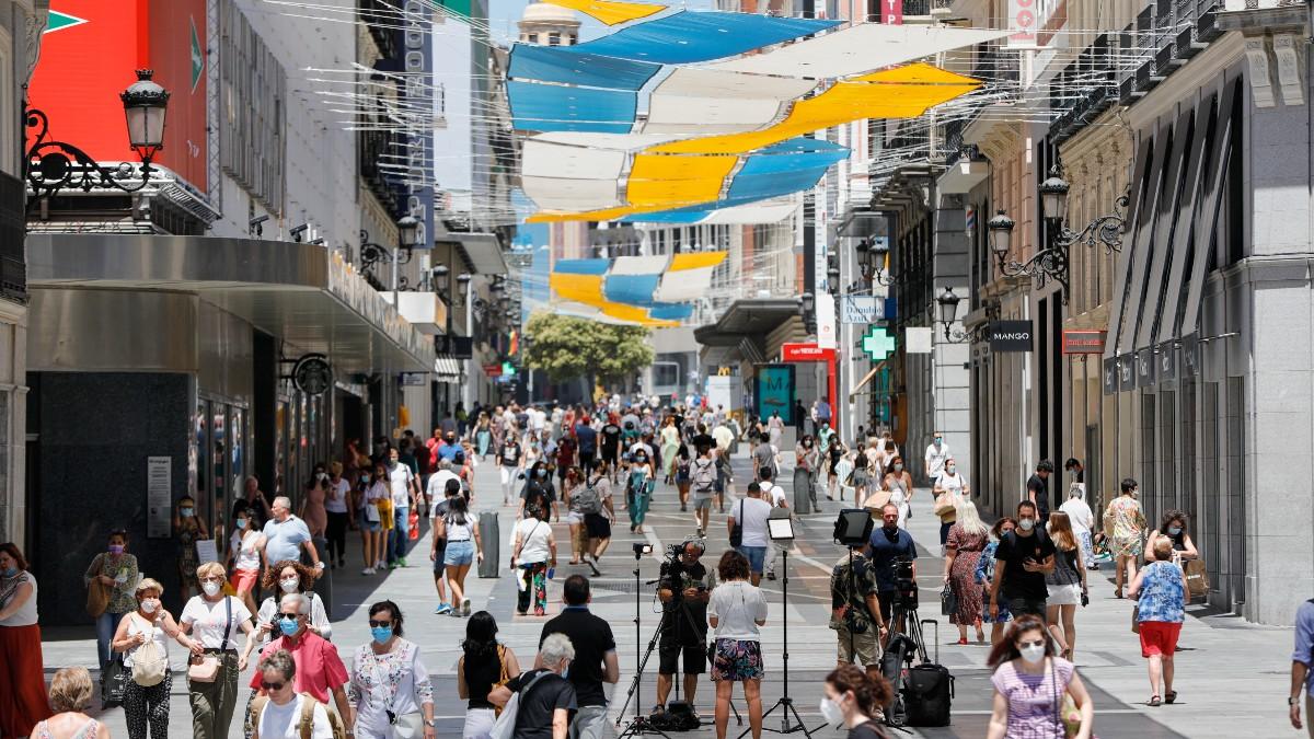 Imagen de la calle Preciados desde la Puerta del Sol en Madrid.