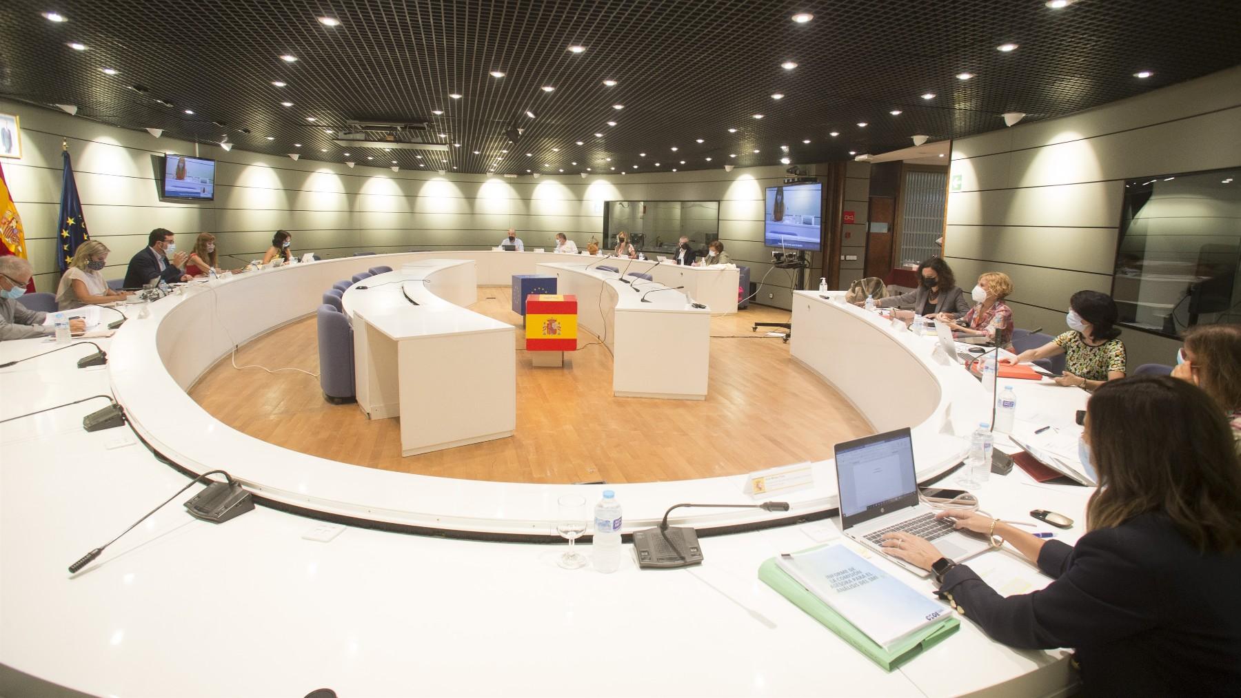 Representantes de Trabajo, CCOO, UGT, CEOE y Cepyme.