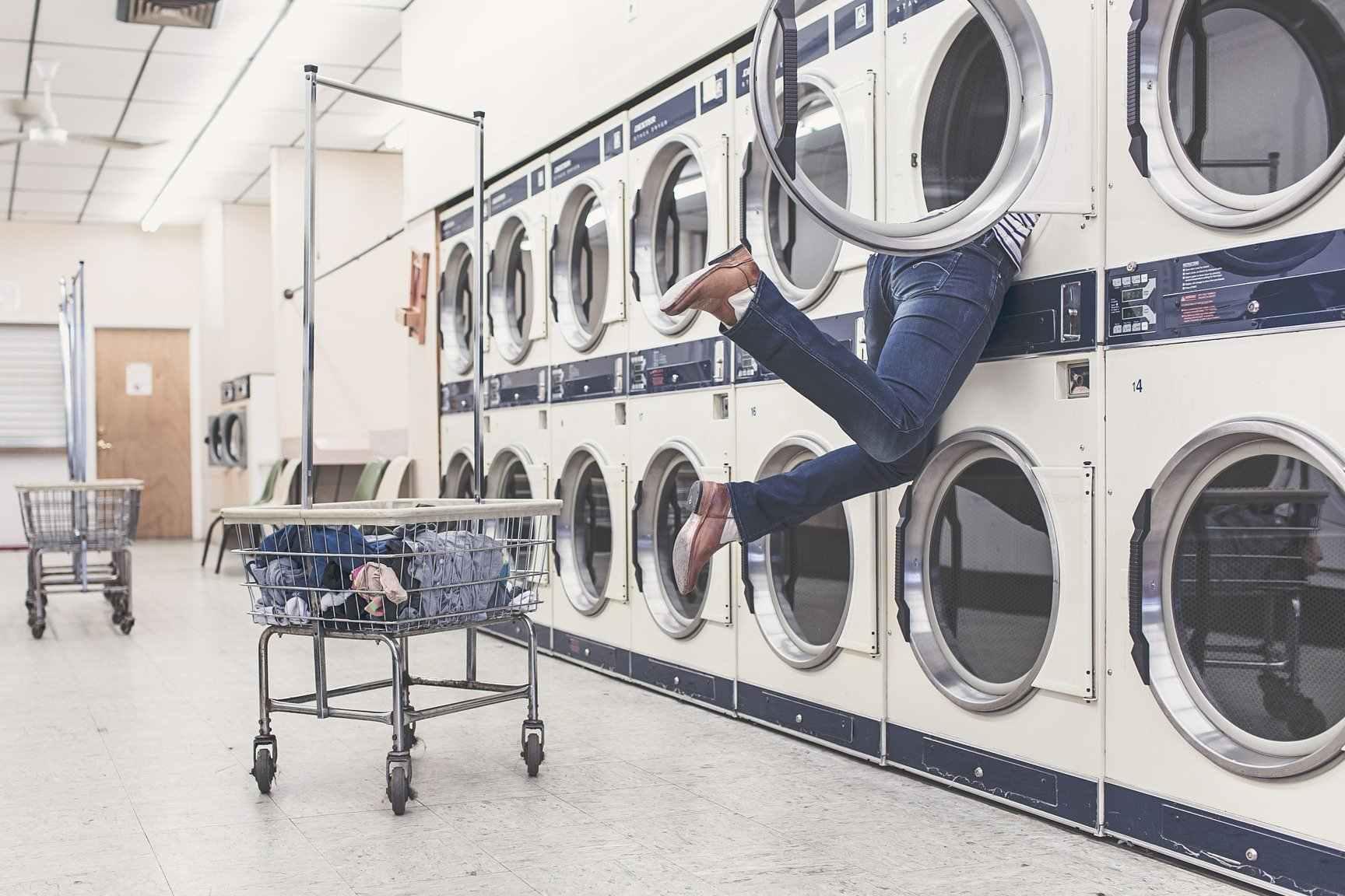 Las lavanderías suman clientes para ahorrar luz en casa
