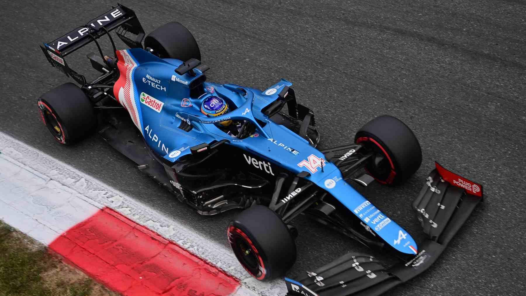 Fernando Alonso en la carrera al sprint clasificatoria de cara al GP de Italia. (AFP)