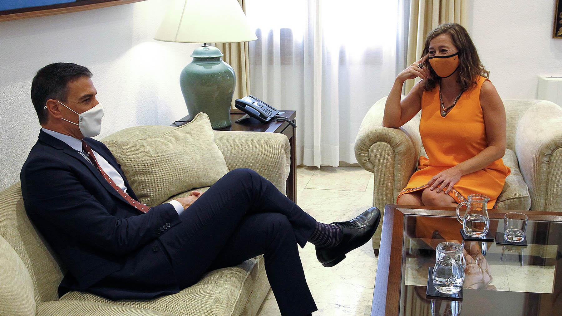 Pedro Sánchez con Francina Armengol