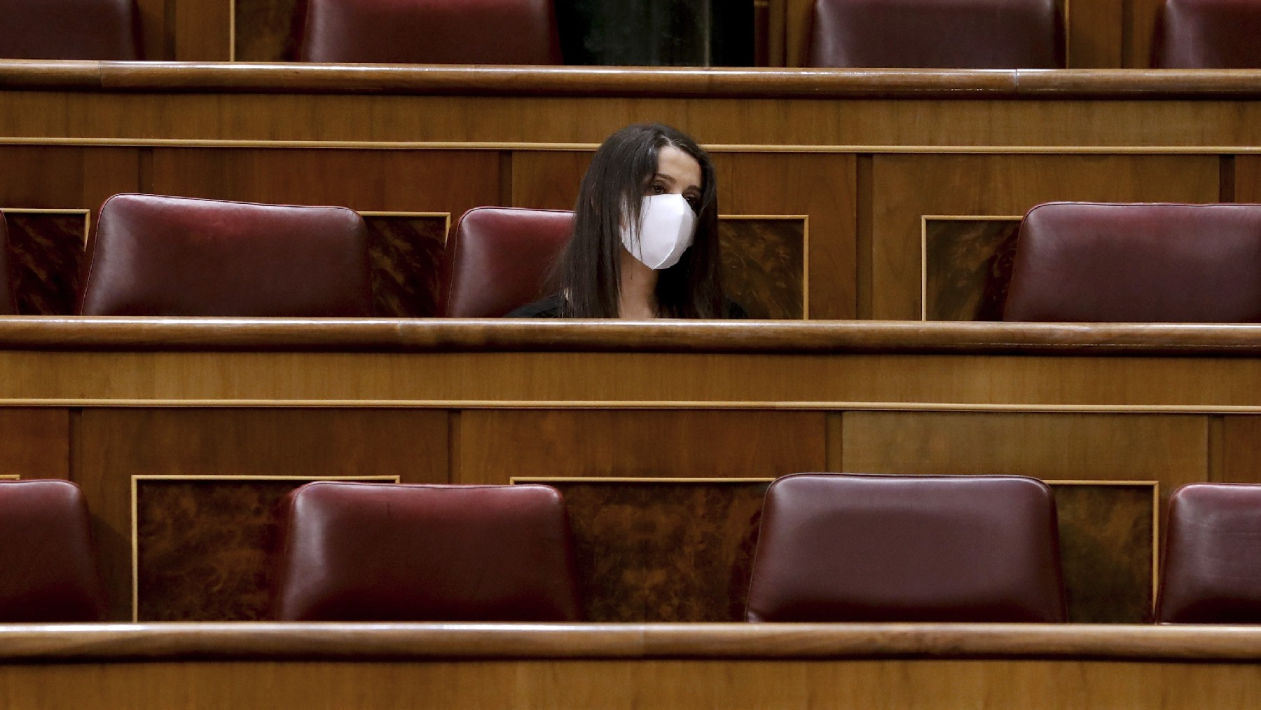 La presidenta de Cs, Inés Arrimadas, en el Congreso. (Foto: EP)