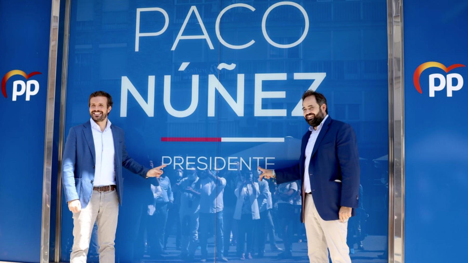 El presidente del PP Pablo Casado junto al presidente del PP Castilla-La Mancha Paco Núñez.