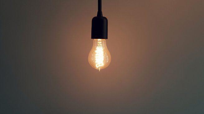 luz trastero