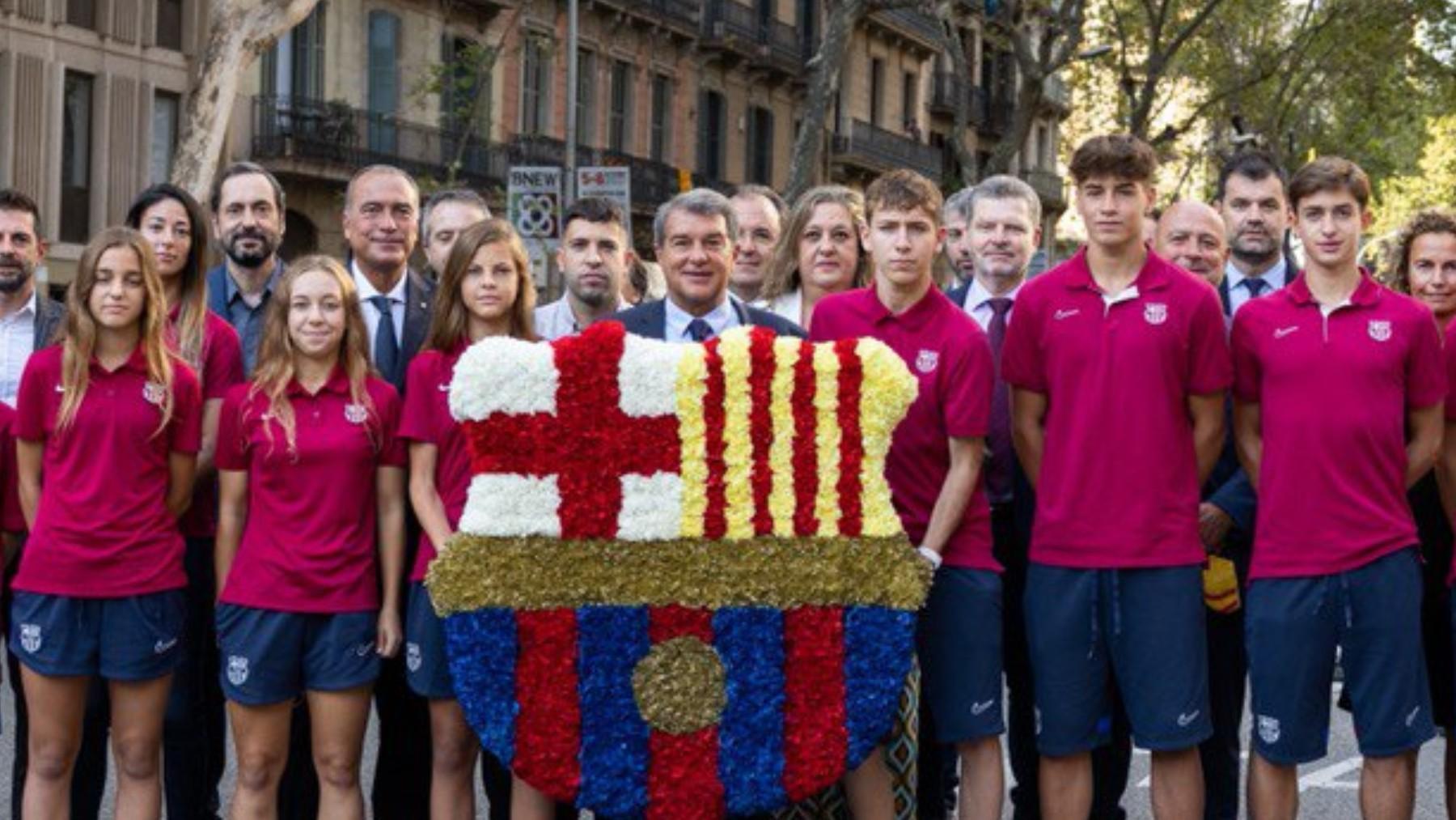 Joan Laporta en la ofrenda floral del Barcelona en la Diada. (fcbarcelona.es)