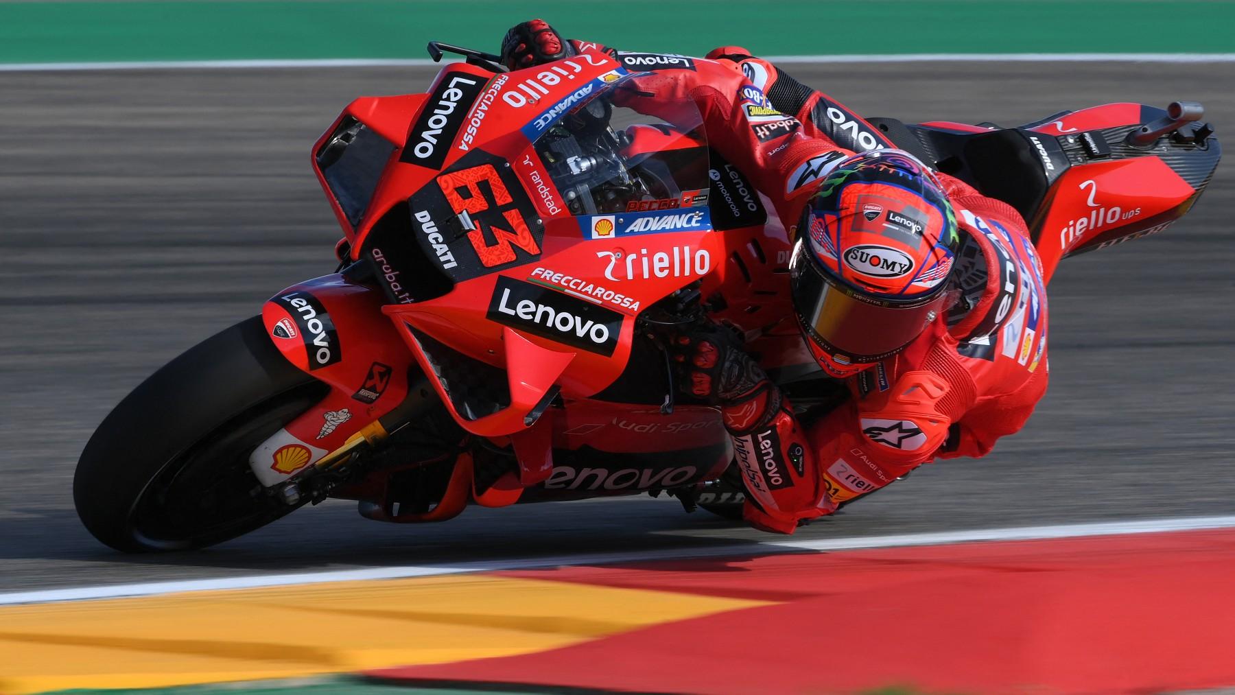 Pecco Bagnaia durante la clasificación del GP de Aragón de MotoGP. (AFP)