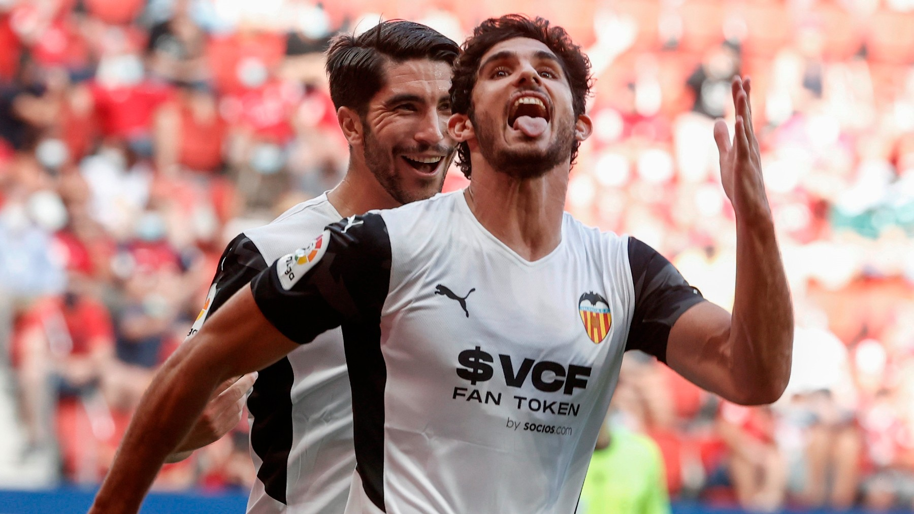 Guedes celebra un gol a Osasuna. (EFE)