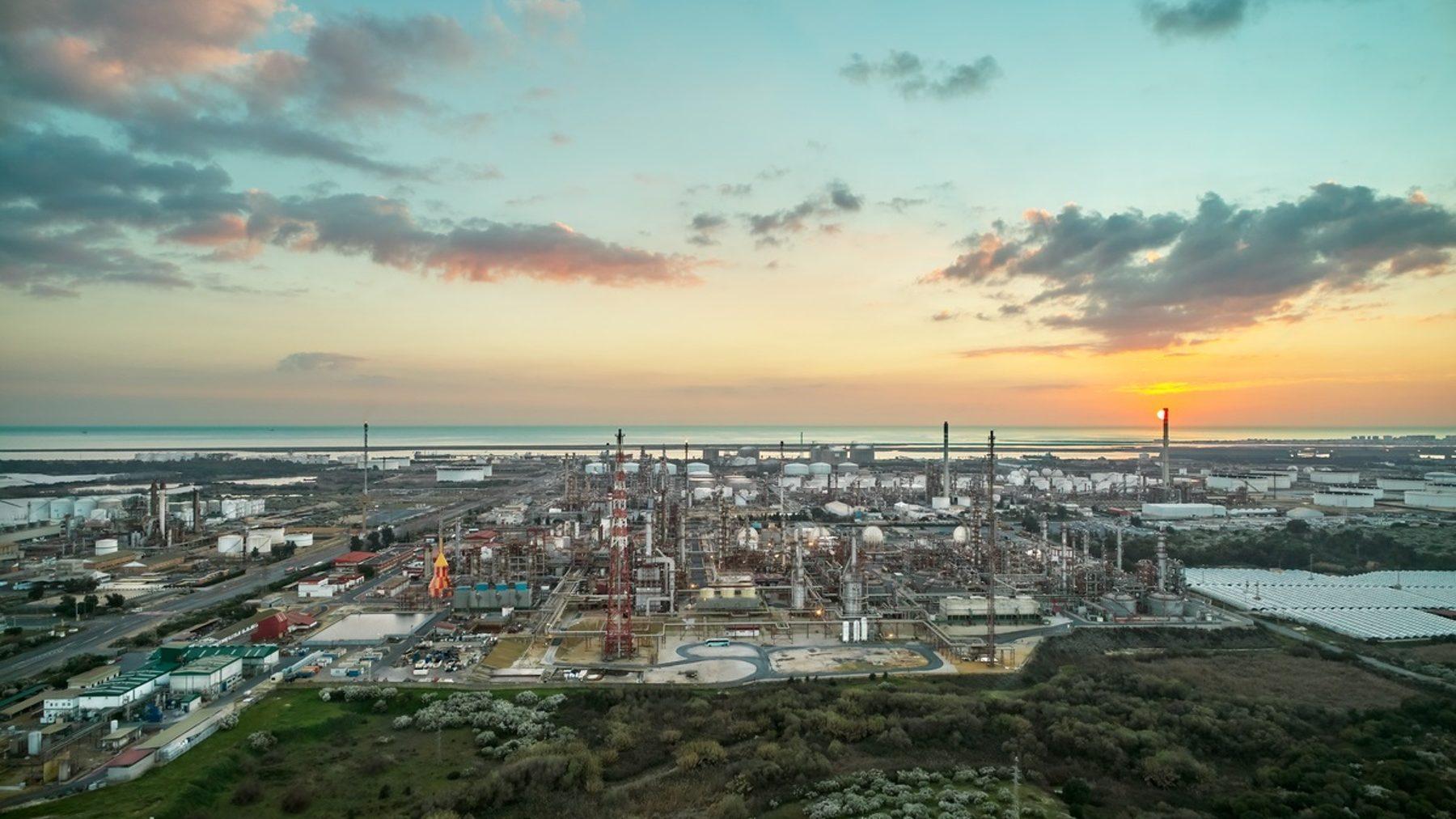 Vista panorámica de las instalaciones de Cepsa en Huelva (CEPSA). (1)
