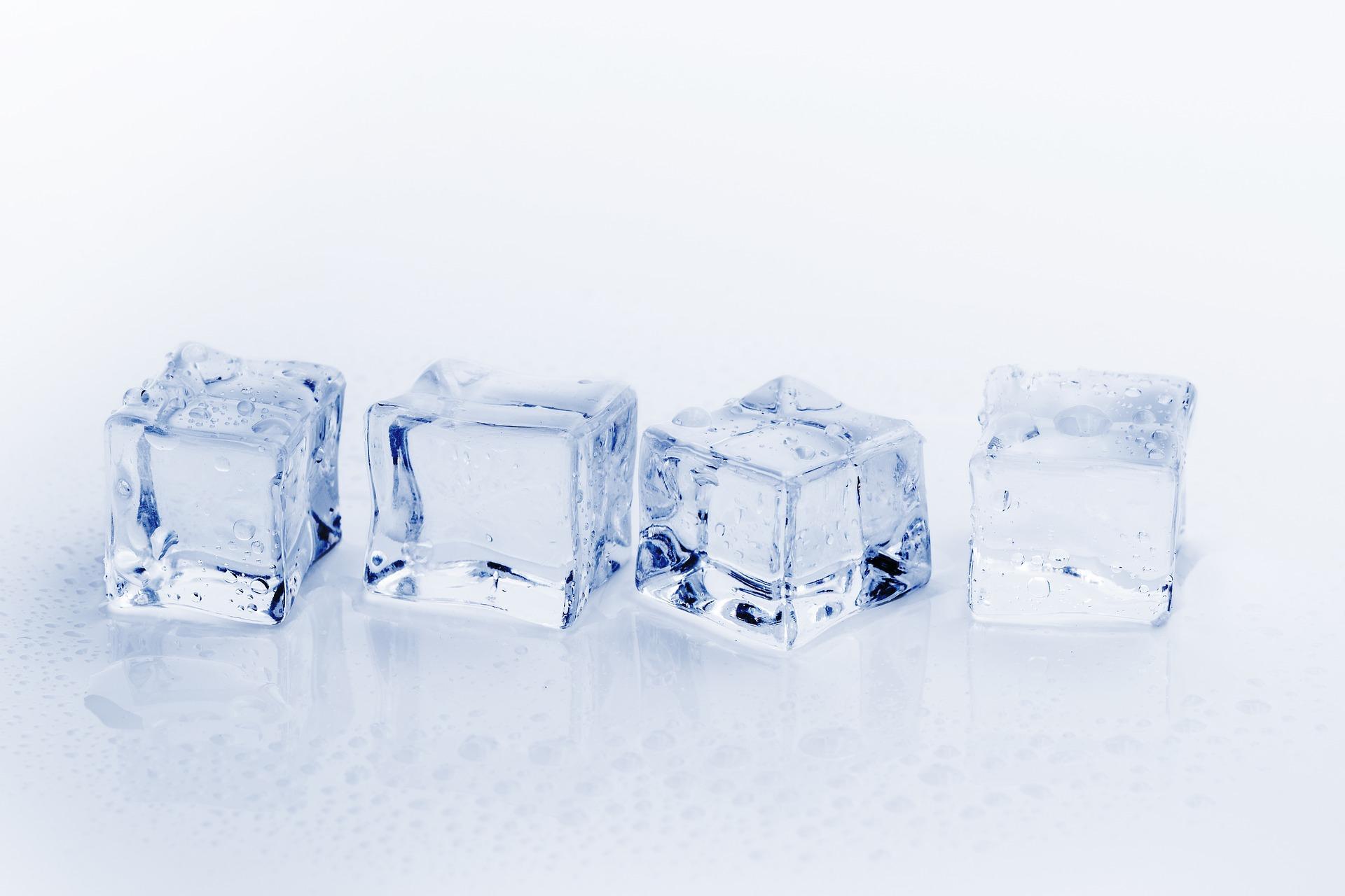 Pagofagia: los peligros de la dieta de mascar hielo