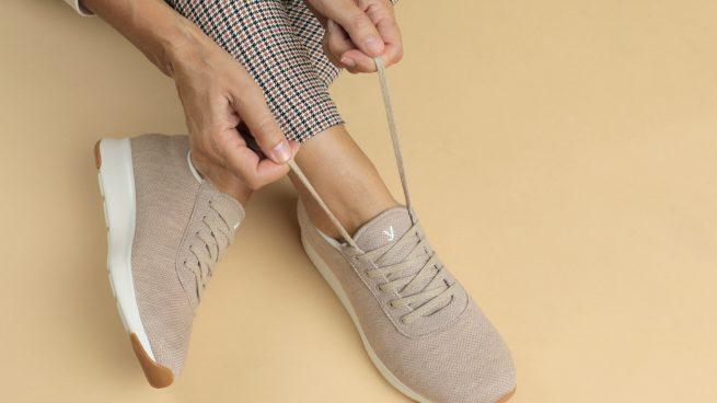 Las zapatillas con lista de espera que previenen los problemas de pies y fomentan la 'Slow Fashion'