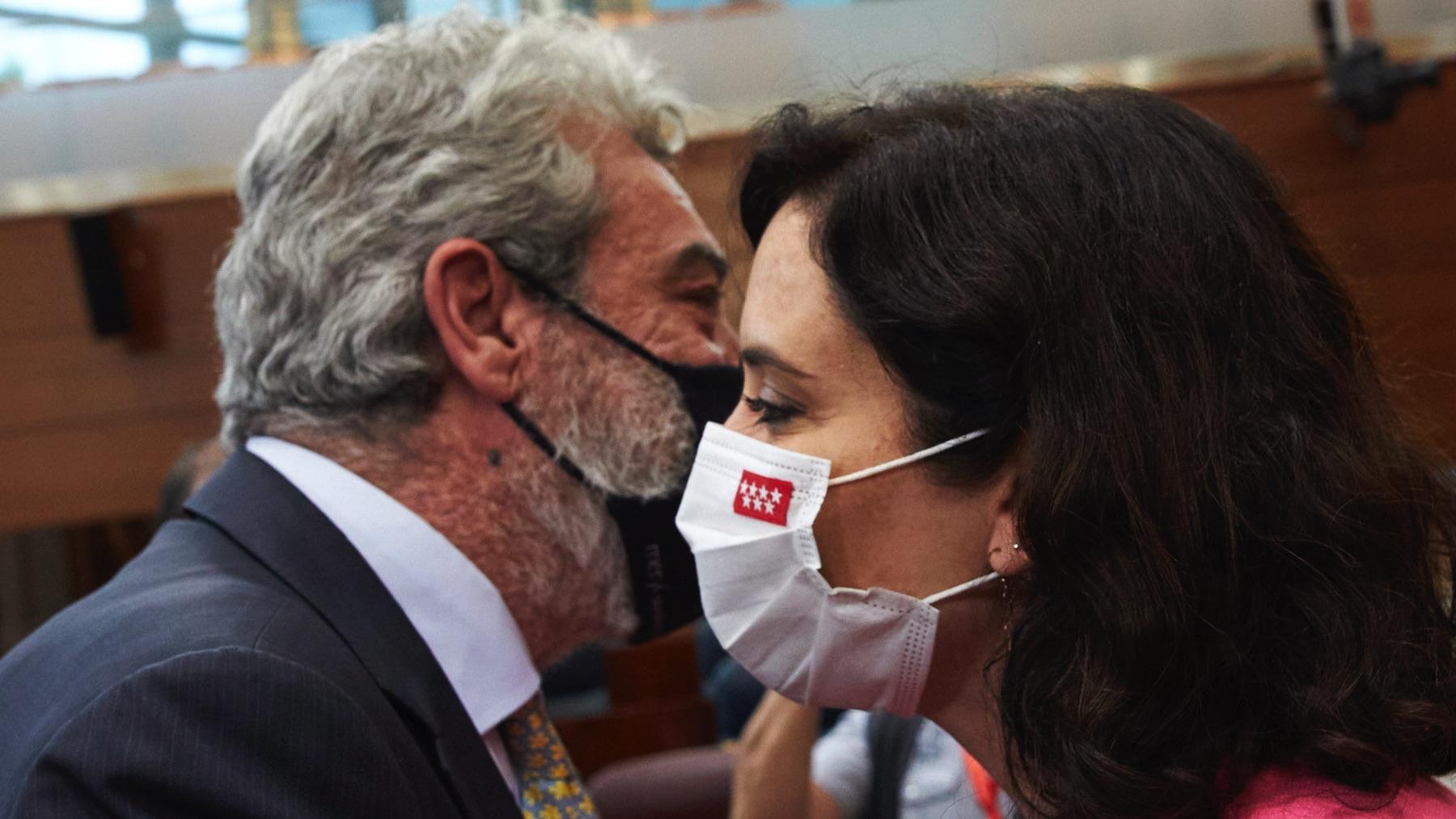 Miguel Ángel Rodríguez e Isabel Díaz Ayuso. (Foto: EP)