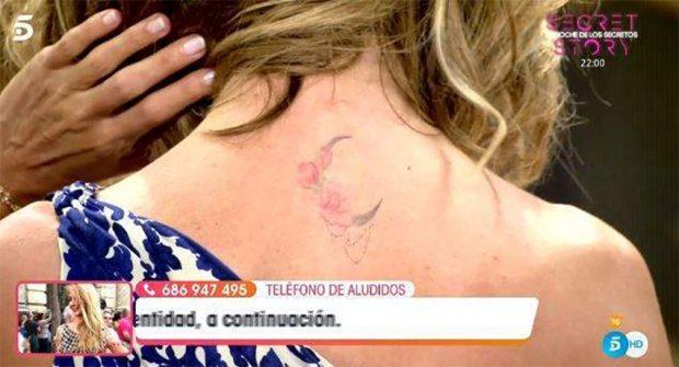 Emma García muestra su tatuaje