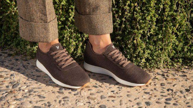 El éxito de las familias españolas que fabrican las zapatillas más cómodas del mundo