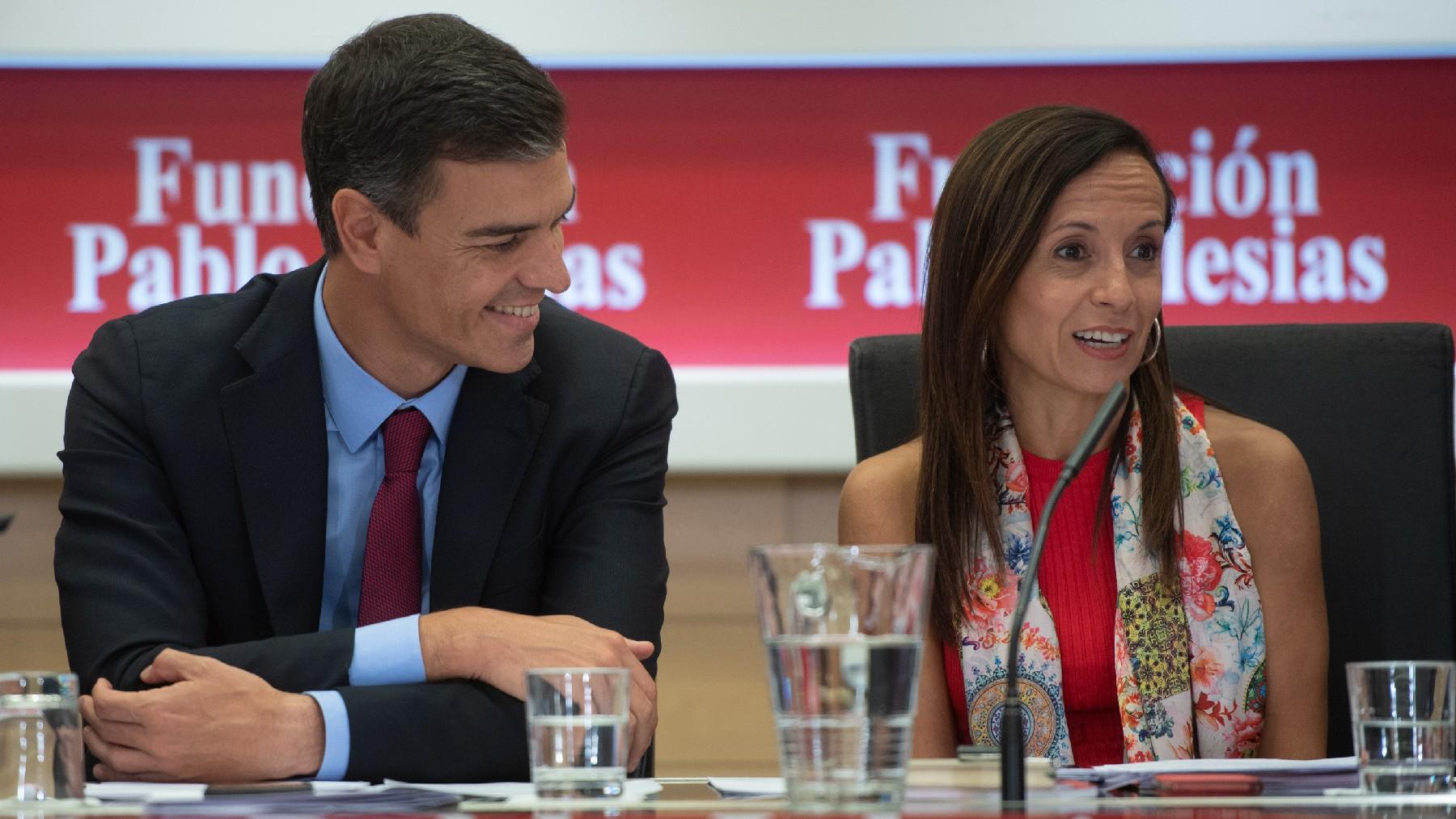 Pedro Sánchez y Beatriz Corredor, presidenta de Red Eléctrica. (Foto: PSOE)