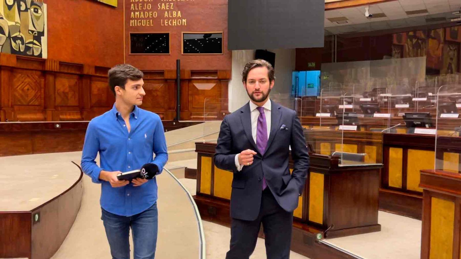 El diputado ecuatoriano Esteban Torres durante la entrevista con OKDIARIO.