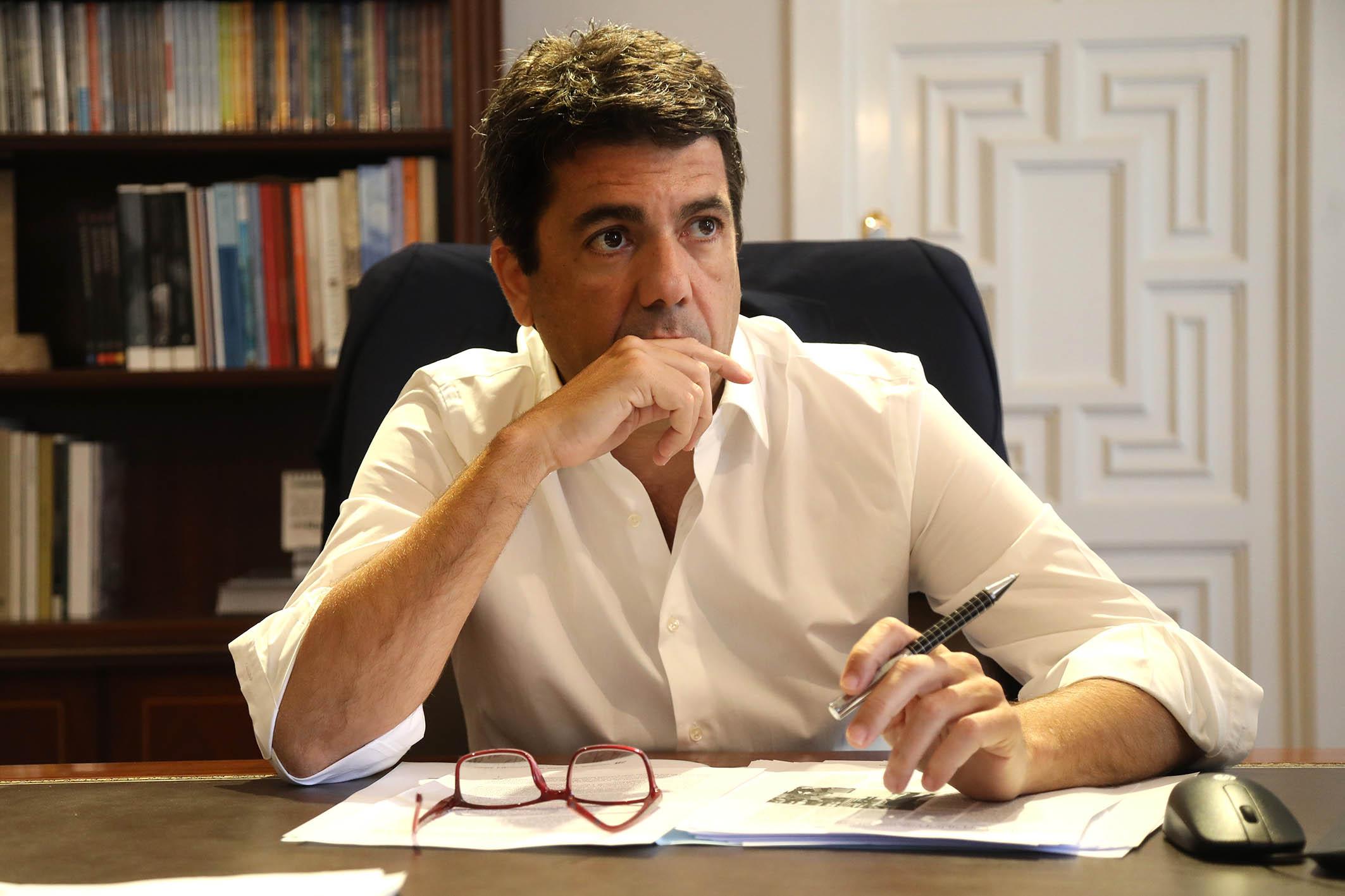 Mazón afirma estar harto de la campaña contra Rita Barberá y pide que la dejen descansar en paz