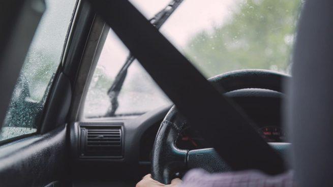 DGT Conducir con lluvia