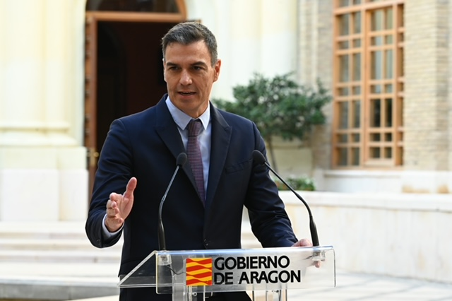 Sánchez, este jueves, durante su visita a Zaragoza.