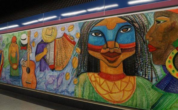 Artistas colombianos crean dos murales en el Metro de Madrid