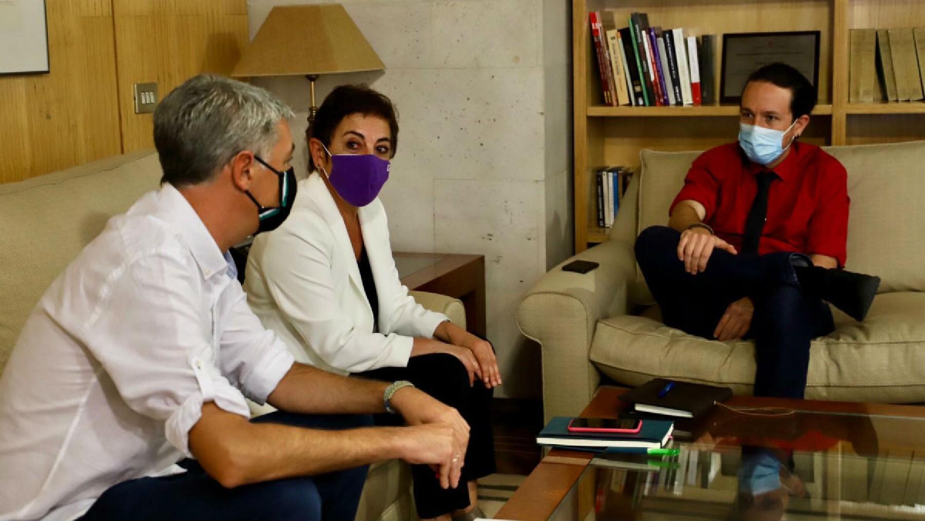 Pablo Iglesias reunido con Bildu cuando era vicepresidente del Gobierno. (su despacho con Mertxe Aizpuruay Oskar Matute. (Foto: Dani Gago / Gobierno)