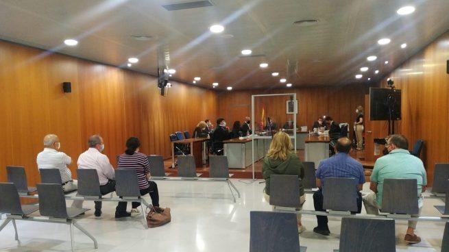Juzgan al alcalde y a exregidora de Manilva por traspasos irregulares de fondos.