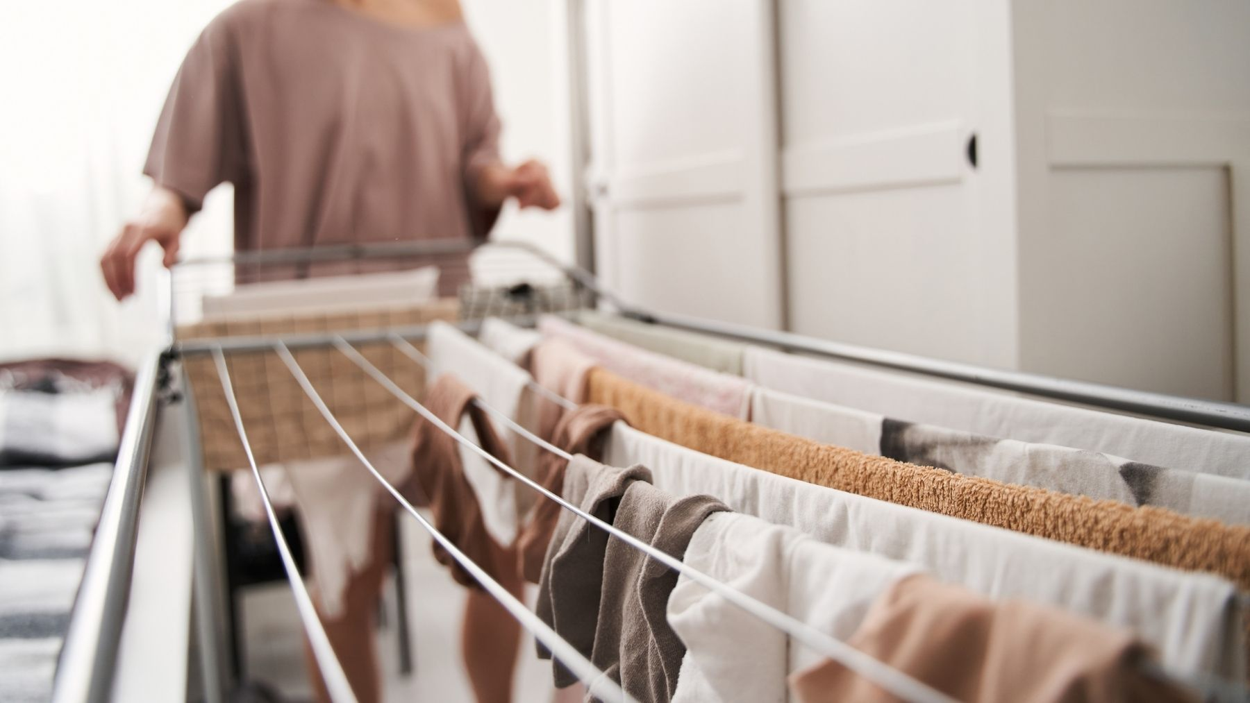 Remedios caseros para quitar el olor a humedad de la ropa