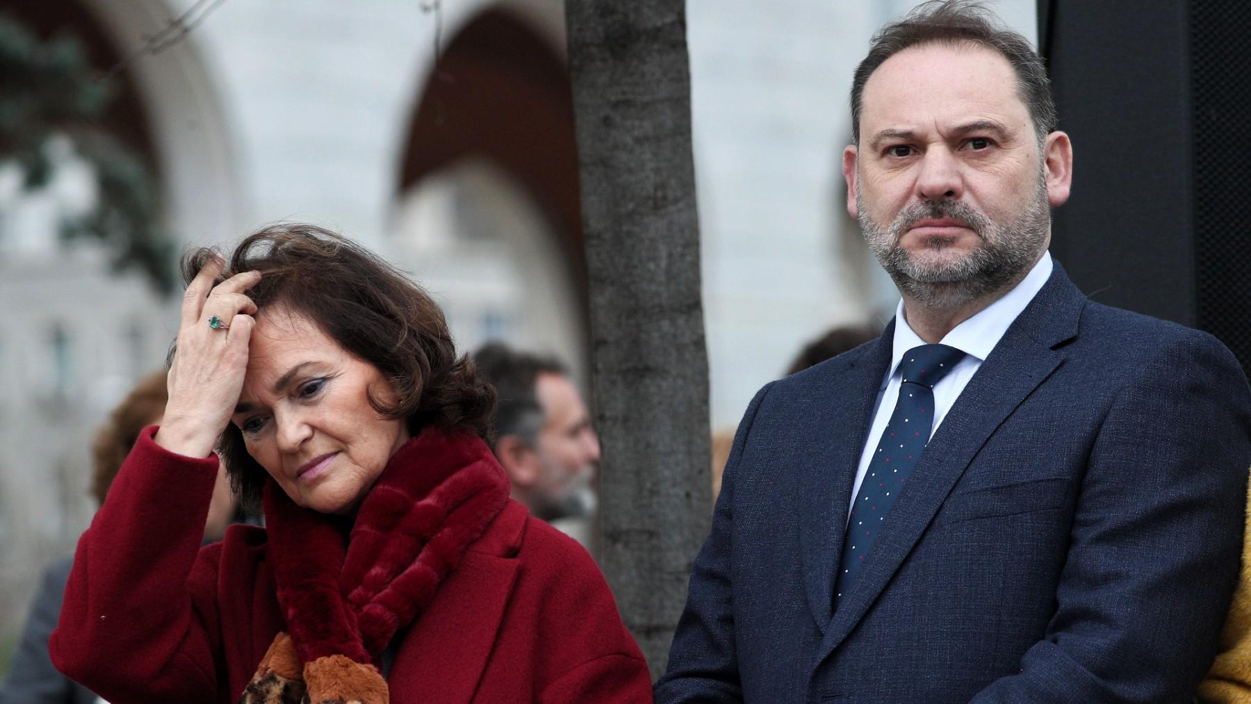 Carmen Calvo y José Luis Ábalos. (Foto: Europa Press)