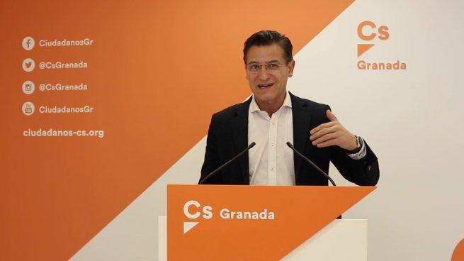 Cs se extingue en Granada: el exalcalde pasa a edil no adscrito y el partido pierde a sus 4 concejales