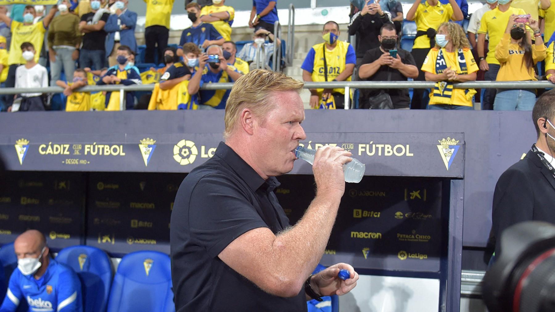 Ronald Koeman, en el Nuevo Mirandilla. (AFP)