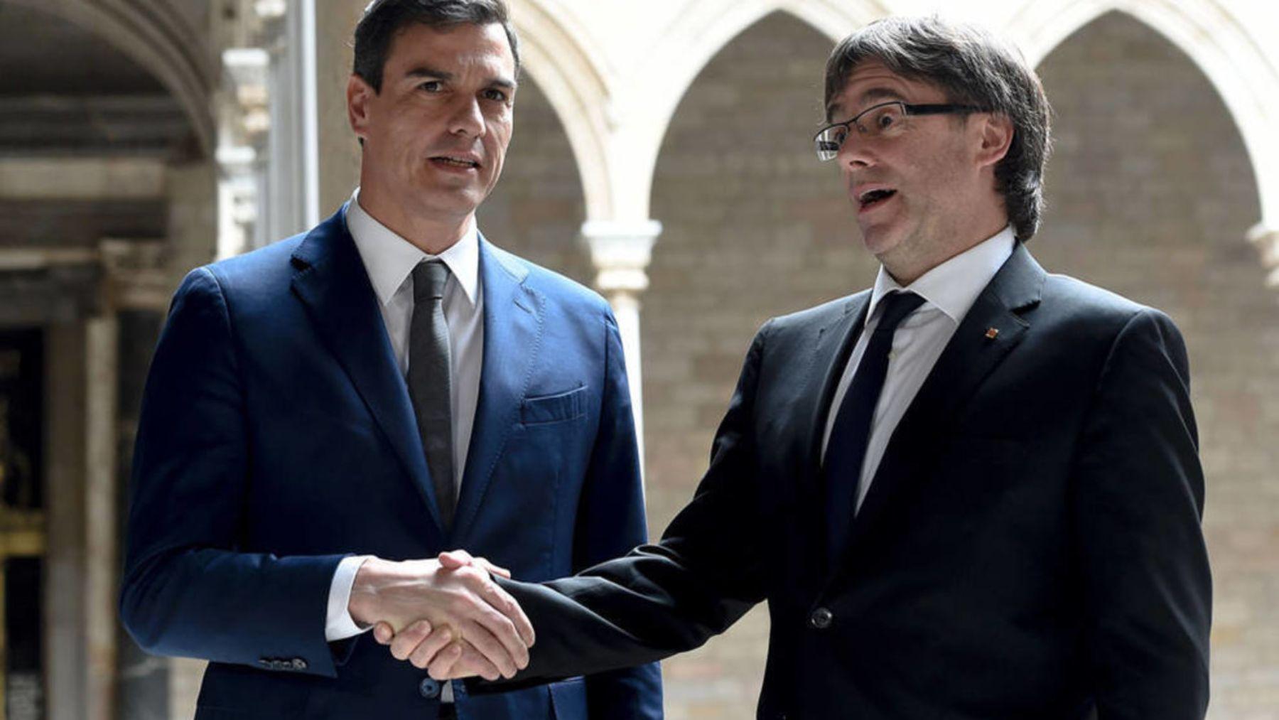 Pedro Sánchez y Carles Puigdemont.