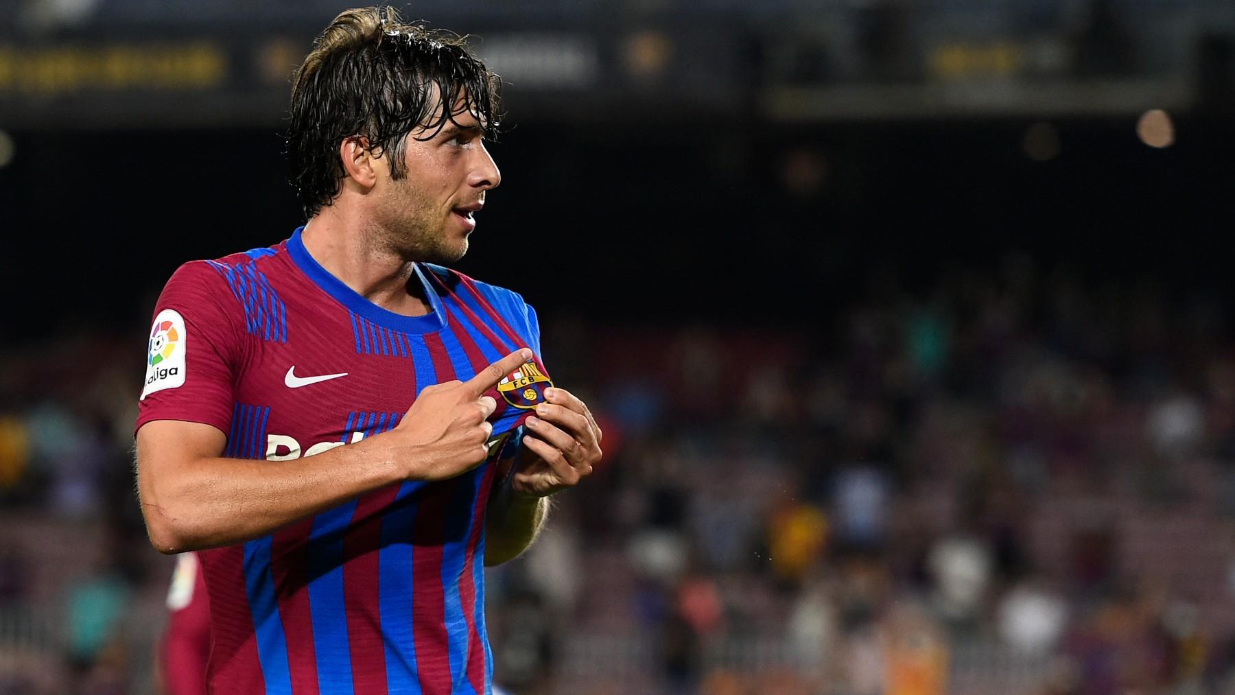 Sergi Roberto celebra un gol con el Barcelona. (AFP)