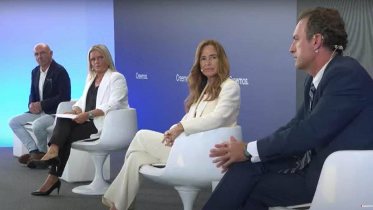 Teresa Jiménez-Becerril y Mari Mar Blanco en la Convención del PP.