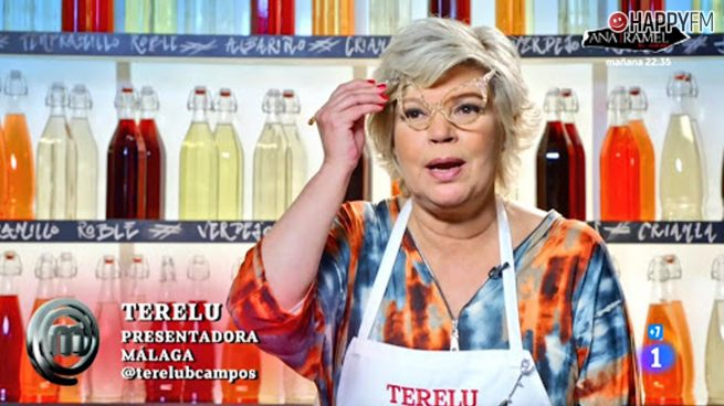 Terelu Campos hornea sus gafas en MasterChef Celebrity