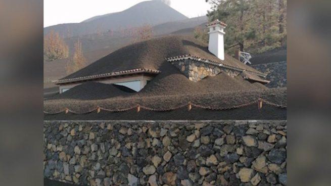 Las imágenes más curiosas y sobrecogedoras que deja el volcán de La Palma