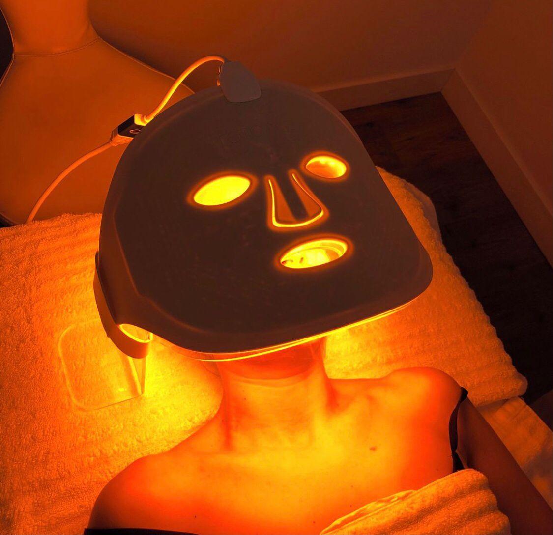 Máscara de terapia fotobiodinámica