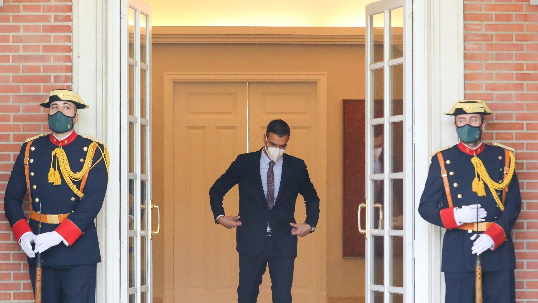 El presidente del Gobierno y líder del PSOE, Pedro Sánchez, en el Palacio de la Moncloa. (Foto: EP)