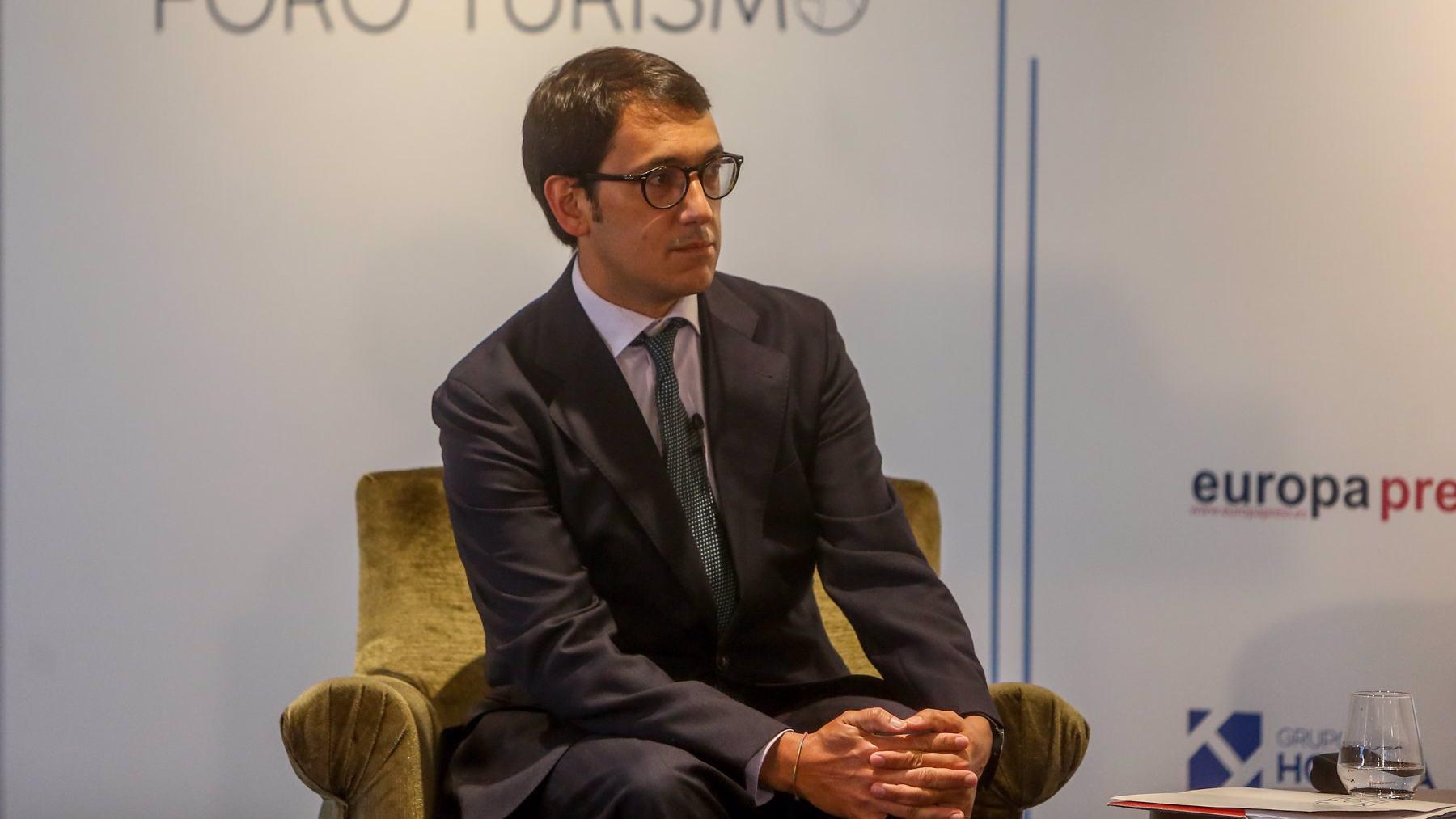 El conseller de Modelo Económico, Turismo y Trabajo del Govern balear, Iago Negueruela, en un Foro de turismo. FOTO: Ricardo Rubio / Europa Press.