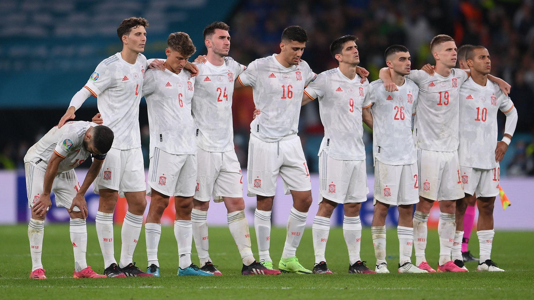España, durante la tanda de penaltis ante Italia en Wembley. (AFP)