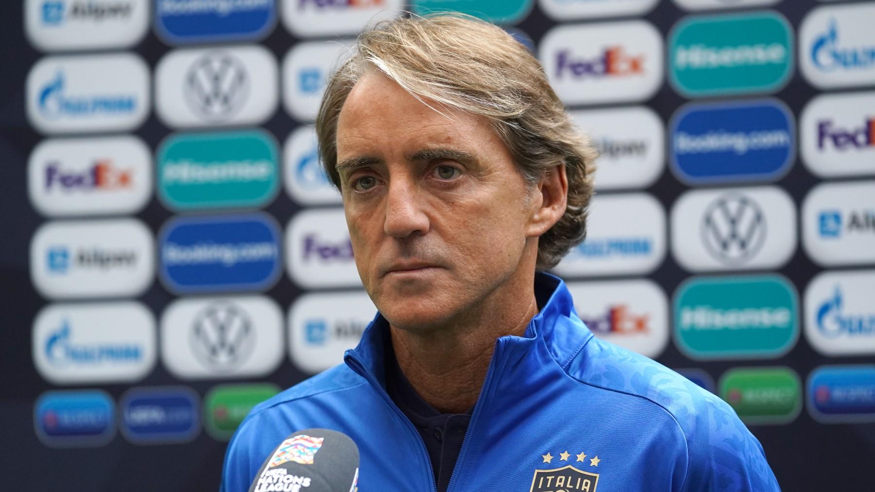 Mancini atiende a los medios de comunicación. (Getty)