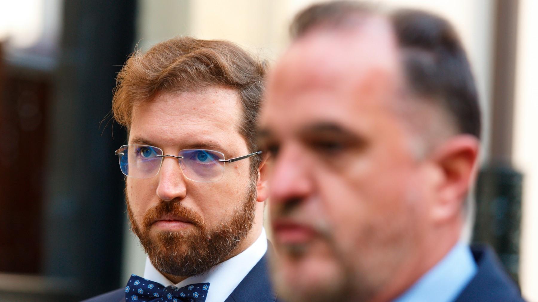 El diputado de Ciudadanos en el Parlamento Vasco Luis Gordillo, y el líder del PP del País Vasco, Carlos Iturgaiz. (Foto: Efe)