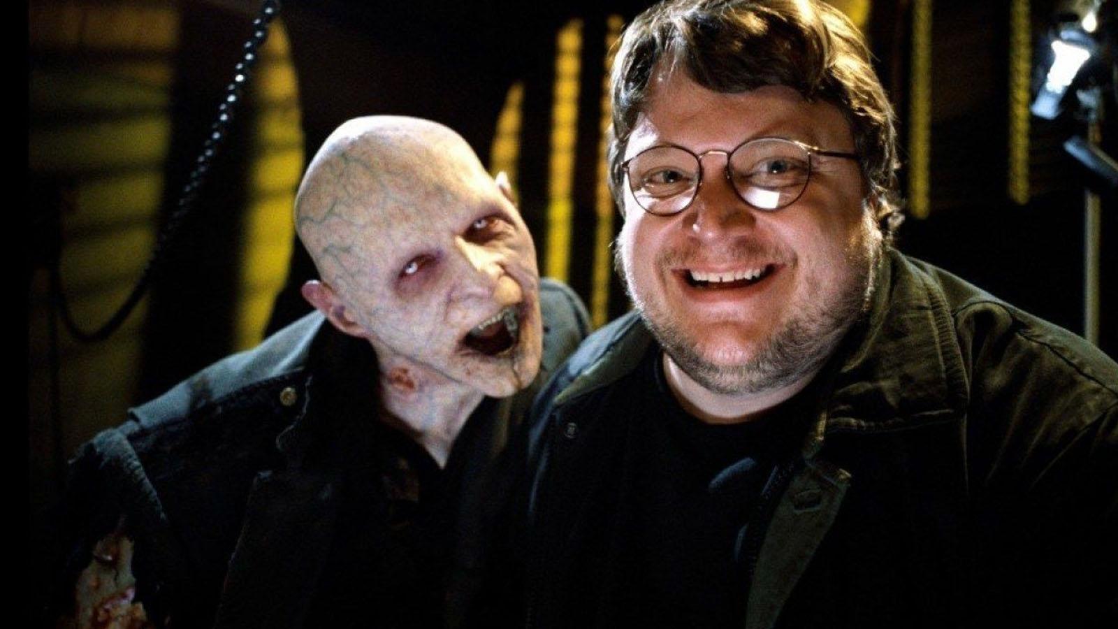 Guillermo del Toro tiene predileccion por representar a criaturas extrañas en sus peliculas (IMAGEN Warner Bros)