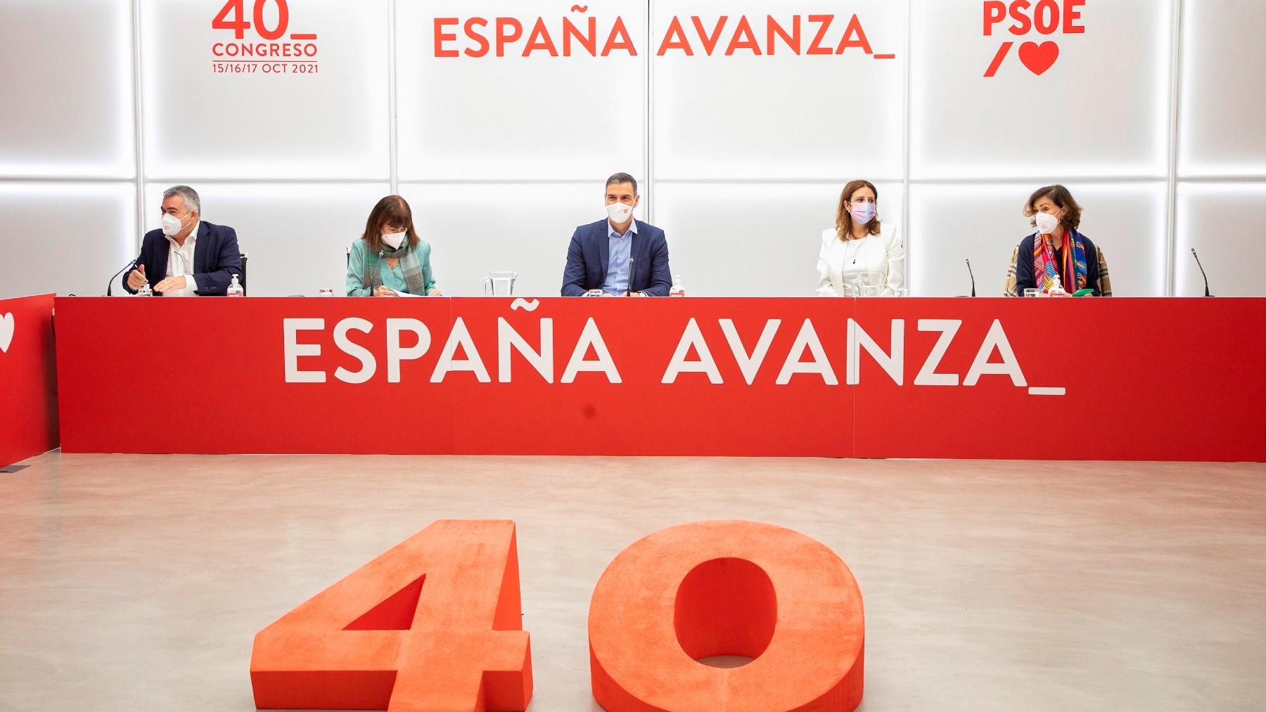 Pedro Sánchez preside la última Ejecutiva del PSOE.