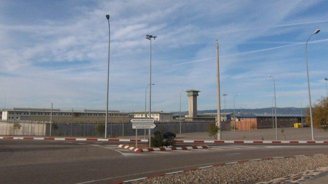 Muere un preso vacunado tras un brote de Covid en la cárcel de Córdoba