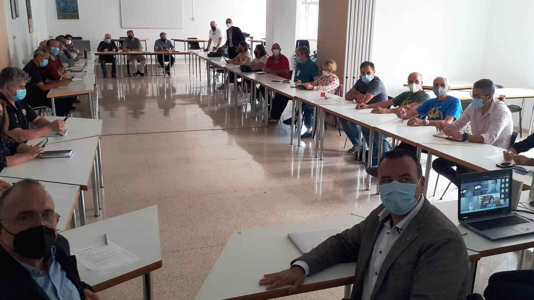 Reunión de la Mesa de Movilidad del Ayuntamiento de Palma, con el edil Dalmau en primer término.