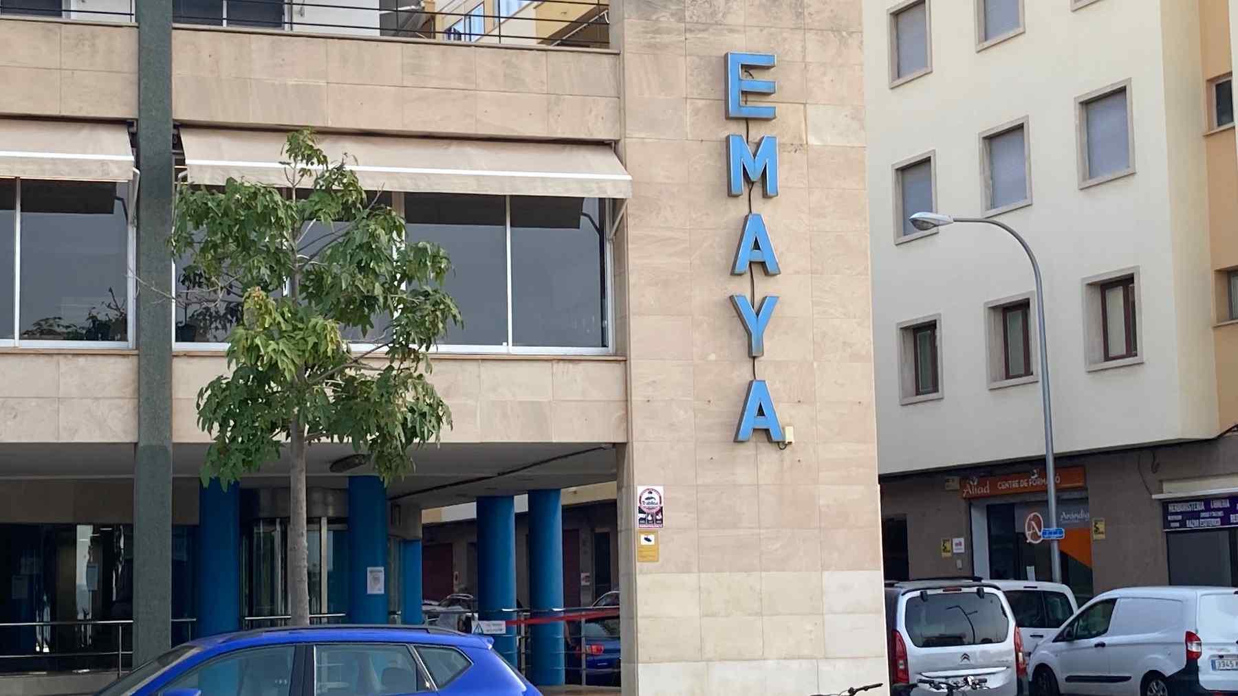 Fachada de la sede central de la empresa municipal de limpieza de Palma, Emaya.