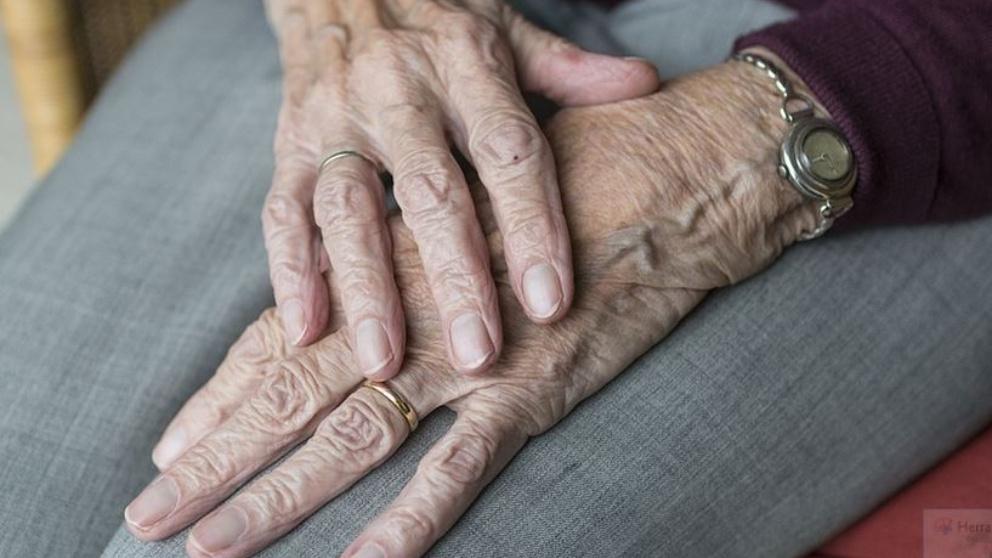 Día Mundial de la Osteoporosis 2021: a quién afecta, causas y síntomas